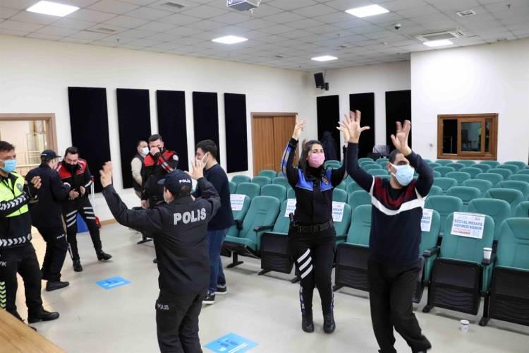ENGELLİLER, POLİSLER İÇİN ÇALDI, SÖYLEDİ